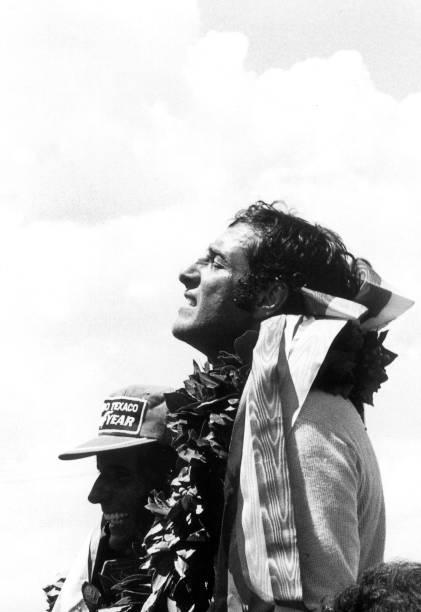 Walking「Carlos Pace, Grand Prix Of Brazil」:写真・画像(19)[壁紙.com]