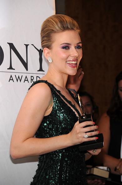 Elie Saab - Designer Label「64th Annual Tony Awards - Media Room」:写真・画像(2)[壁紙.com]