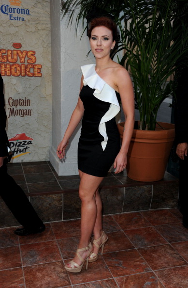ノースリーブワンピース「Spike TV's 5th Annual 2011 'Guys Choice' Awards - Arrivals」:写真・画像(18)[壁紙.com]