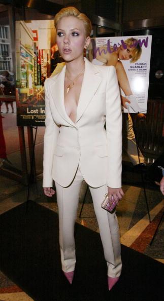 White Suit「Scarlett Johansson」:写真・画像(6)[壁紙.com]