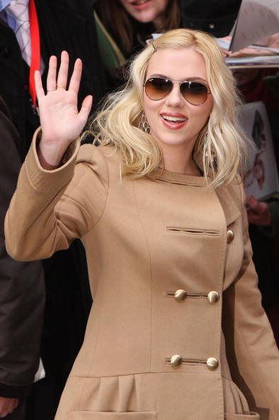 Aviator Glasses「58th Berlinale Film Festival - The Other Boleyn Girl Photocall」:写真・画像(19)[壁紙.com]