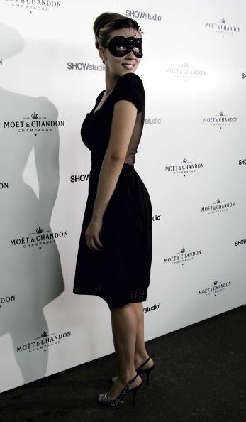 銀色の靴「Moet and Chandon Fashion Tribute」:写真・画像(1)[壁紙.com]