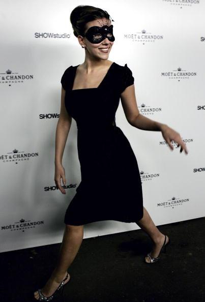 銀色の靴「Moet and Chandon Fashion Tribute」:写真・画像(2)[壁紙.com]