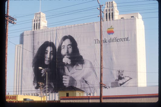 Advertisement「John Lennon And Miles Davis In Apple Ads」:写真・画像(18)[壁紙.com]