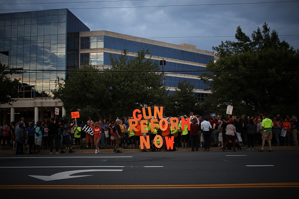 Reform「Vigil Held Outside NRA HQ For Mass Shooting Victims In Dayton And El Paso」:写真・画像(3)[壁紙.com]