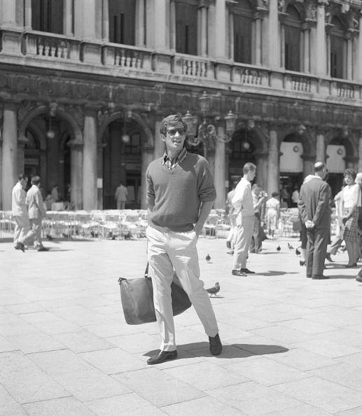 Sunglasses「In St Mark's Square」:写真・画像(19)[壁紙.com]