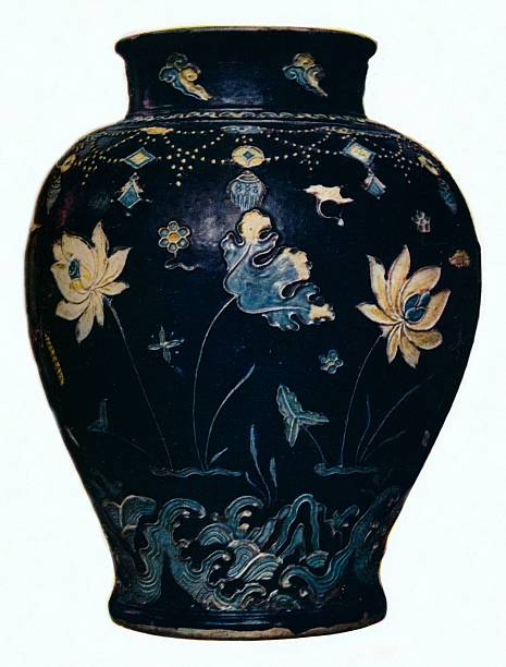 'Ming Dynasty, Fahua vase', 15th century. Artist: Unknown.:ニュース(壁紙.com)