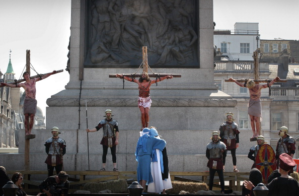Trafalgar Square「Actors Perform The Easter Passion Of Jesus In Trafalgar Square」:写真・画像(13)[壁紙.com]
