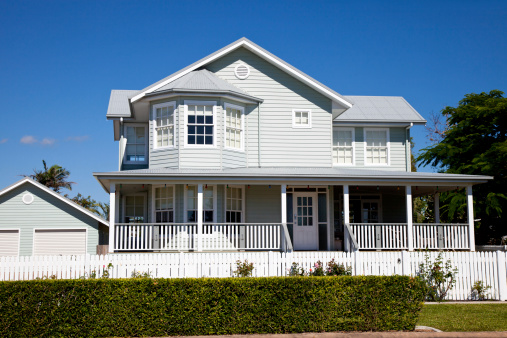 Colonial Style「Immaculate Colonial Home with blue sky」:スマホ壁紙(2)