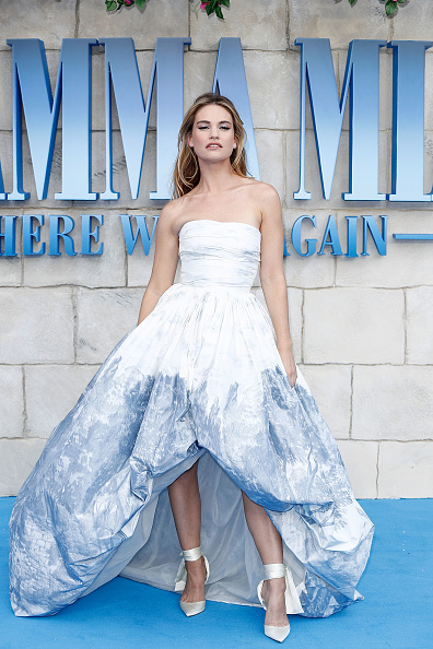"Lily James「""Mamma Mia! Here We Go Again"" - UK Premiere - Red Carpet Arrivals」:写真・画像(2)[壁紙.com]"