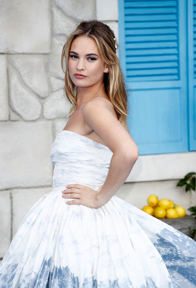 "Lily James「""Mamma Mia! Here We Go Again"" - UK Premiere - Red Carpet Arrivals」:写真・画像(11)[壁紙.com]"