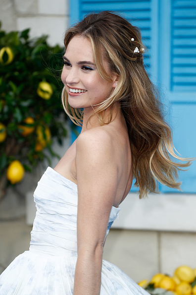 "Lily James「""Mamma Mia! Here We Go Again"" - UK Premiere - Red Carpet Arrivals」:写真・画像(13)[壁紙.com]"