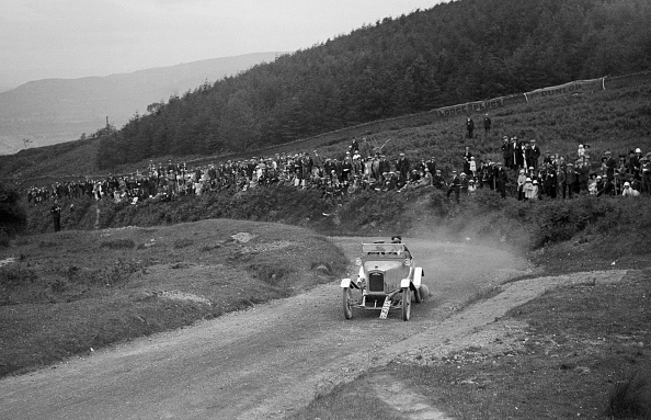 Corner「Ariel open 2-seater of AE Rollason competing in the Caerphilly Hillclimb, Wales, 1923」:写真・画像(9)[壁紙.com]