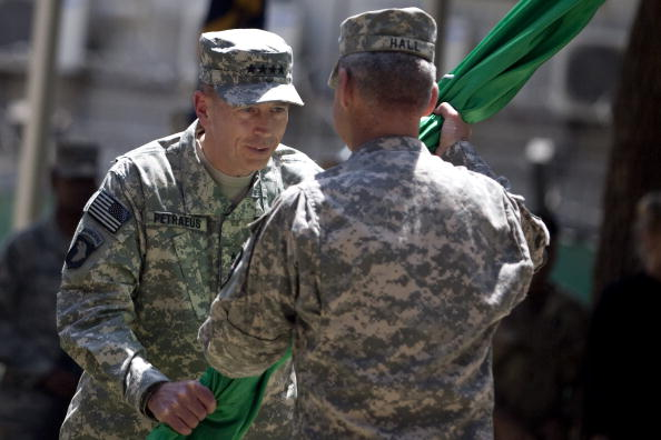 Kabul「General David Petraeus Takes Command Of US And NATO Forces In Afghanistan」:写真・画像(18)[壁紙.com]
