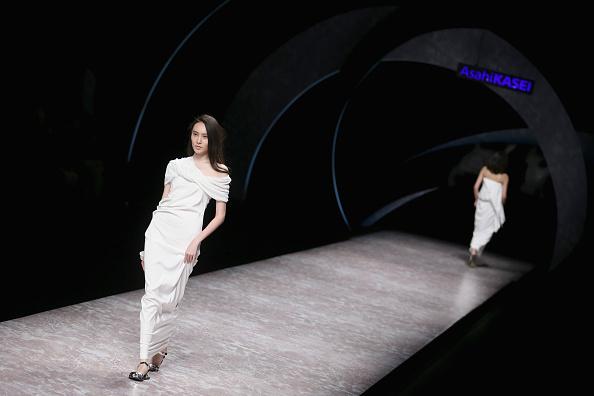 Feng Li「Mercedes-Benz China Fashion Week S/S 2015 - Day 2」:写真・画像(8)[壁紙.com]