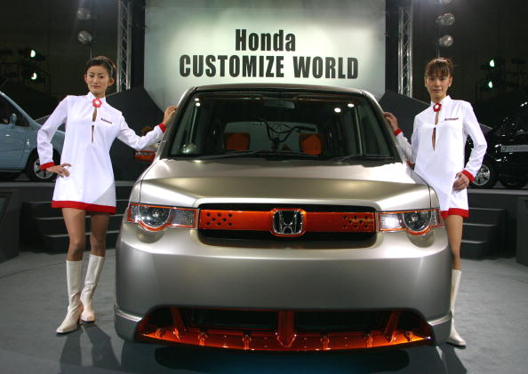 Tokyo Auto Salon「New Cars Introduced At Tokyo Auto Salon」:写真・画像(13)[壁紙.com]
