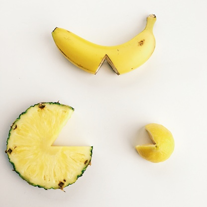 Banana「Fruit with wedge sections missing」:スマホ壁紙(19)