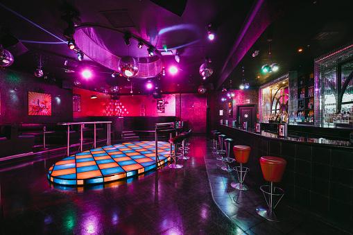 Pub「Empty Nightclub Dance Floor」:スマホ壁紙(10)