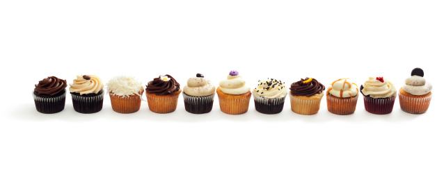 カップケーキ「曇りグルメな各種のケーキ、列にホワイト」:スマホ壁紙(7)