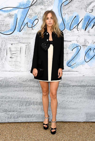 Mini Dress「The Summer Party 2019 Presented By Serpentine Galleries And Chanel - Red Carpet Arrivals」:写真・画像(8)[壁紙.com]