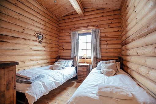 Twin Bed「Cozy Bedroom」:スマホ壁紙(6)