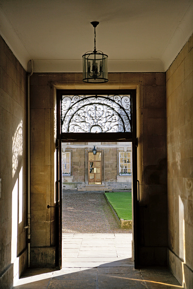 Metalwork「Doors opening on courtyard in a listed building in Cambridge, United Kingdom」:写真・画像(14)[壁紙.com]
