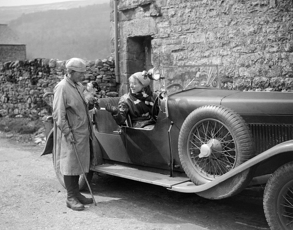 Agricultural Building「Kitty Brunell in a MG 18/80 open 4-seater, c1930(?)」:写真・画像(14)[壁紙.com]
