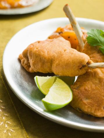 Pakora「Kashmiri Lamb Cutlets with Lime Wedges and Mango Chutney」:スマホ壁紙(12)