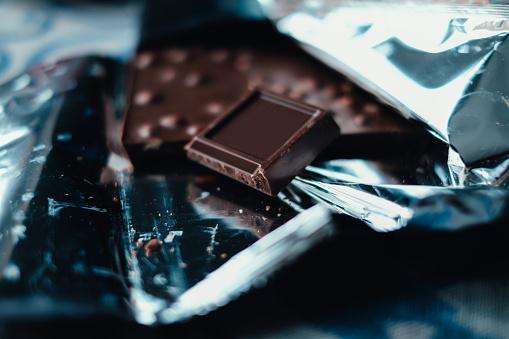 Temptation「Close-up if dark chocolate」:スマホ壁紙(11)