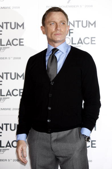 """Cardigan Sweater「""""Quantum Of Solace"""" Photocall In Rome」:写真・画像(7)[壁紙.com]"""