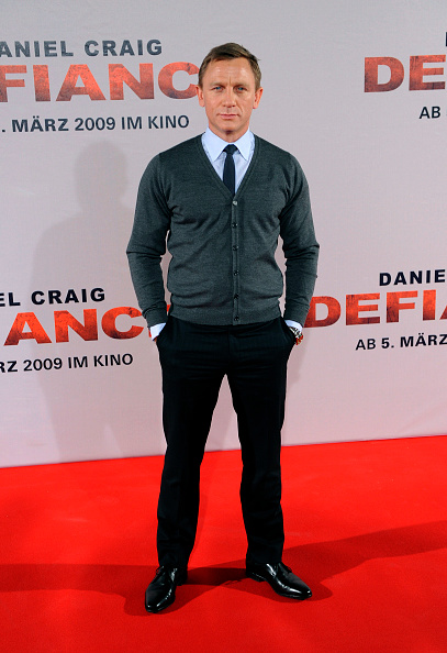 Sweater「Daniel Craig 'Defiance' Photo Call」:写真・画像(17)[壁紙.com]