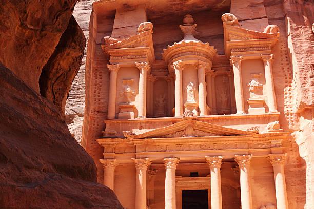 Tresury building in Petra Jordan:スマホ壁紙(壁紙.com)