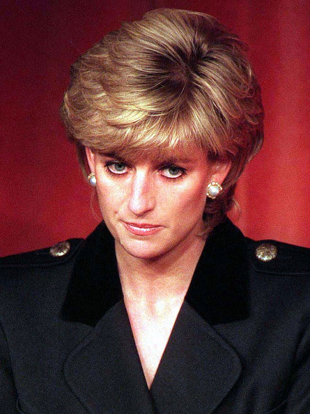 Looking At Camera「Princess Diana Retrospective」:写真・画像(8)[壁紙.com]