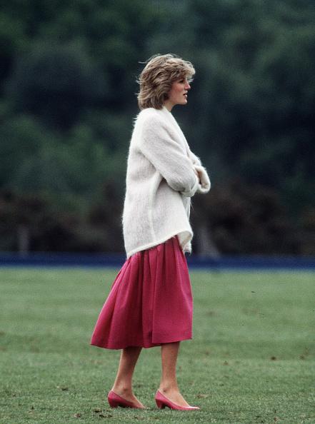 Full Length「Princess Diana Retrospective」:写真・画像(14)[壁紙.com]