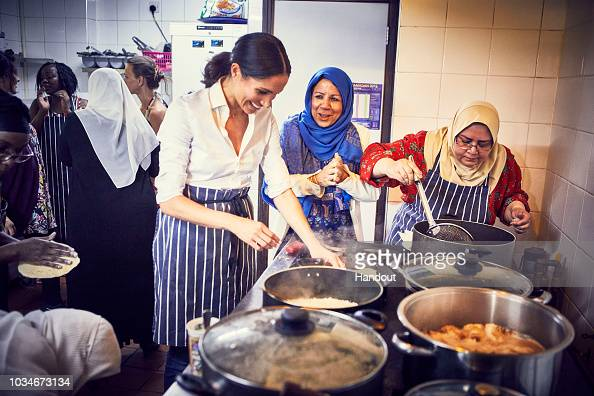 Cooking「Duchess Of Sussex Supports Grenfell Community Charity Cookbook」:写真・画像(1)[壁紙.com]