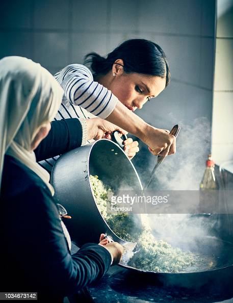 Cooking「Duchess Of Sussex Supports Grenfell Community Charity Cookbook」:写真・画像(0)[壁紙.com]