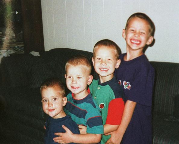 Phillippe Diederich「Murdered Yates Children」:写真・画像(14)[壁紙.com]