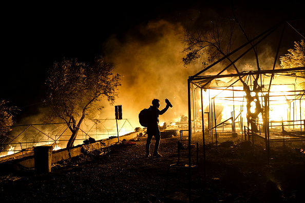 Displaced Persons Camp「Thousands of Migrants Displaced After Fire in Lesbos Camp」:写真・画像(3)[壁紙.com]