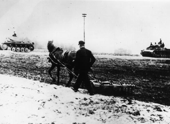 Plowed Field「German Invasion」:写真・画像(8)[壁紙.com]