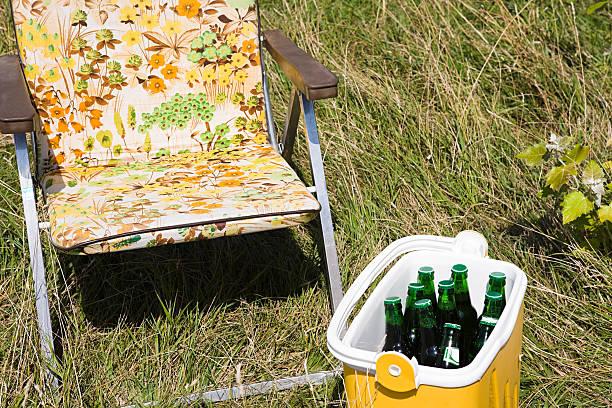 Cool box and a deckchair:スマホ壁紙(壁紙.com)