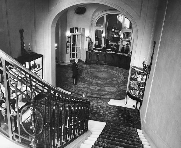 Staircase「Ritz Reception」:写真・画像(5)[壁紙.com]