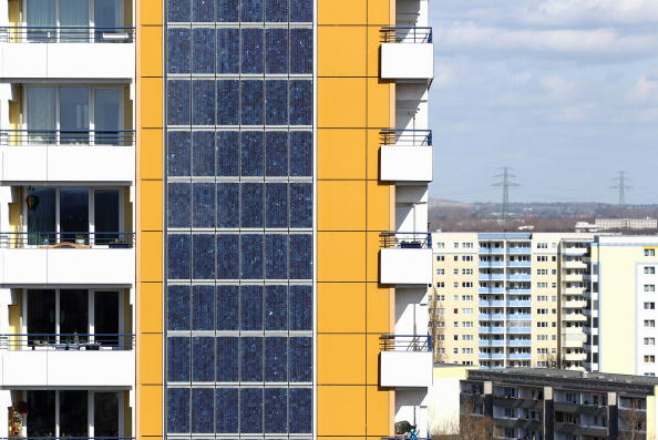 70 Meter「Photovoltaic Facade At Berlin Twin Towers」:写真・画像(15)[壁紙.com]
