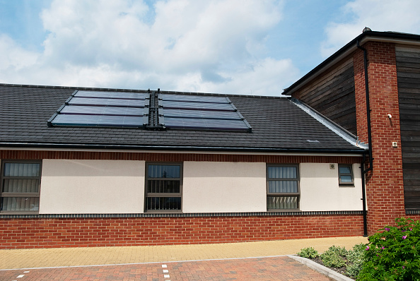 Environmental Conservation「Photovoltaic on the roof of Carlton Court Hospital, Lowestoft, Suffolk, UK」:写真・画像(14)[壁紙.com]
