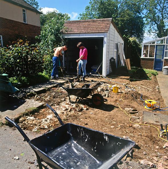 Home Improvement「Preparing the foundations for a driveway」:写真・画像(6)[壁紙.com]