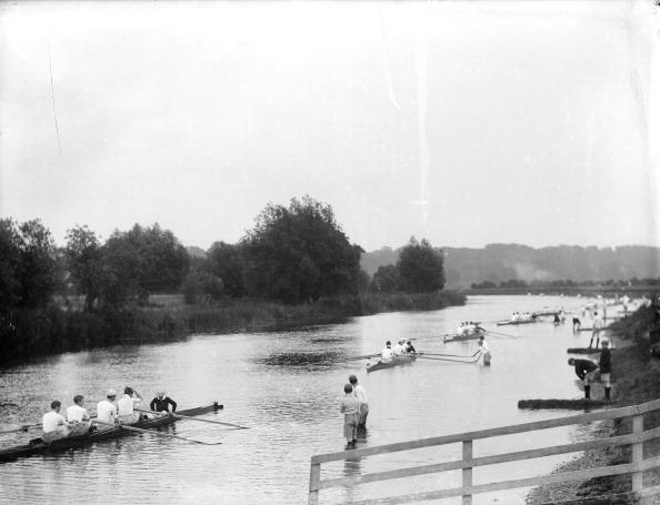 ヘンリーロイヤルレガッタ「Preparing to start a race during the Henley Regatta, Henley-on-Thames, Oxfordshire, c1860-c1922. Artist: Henry Taunt」:写真・画像(16)[壁紙.com]