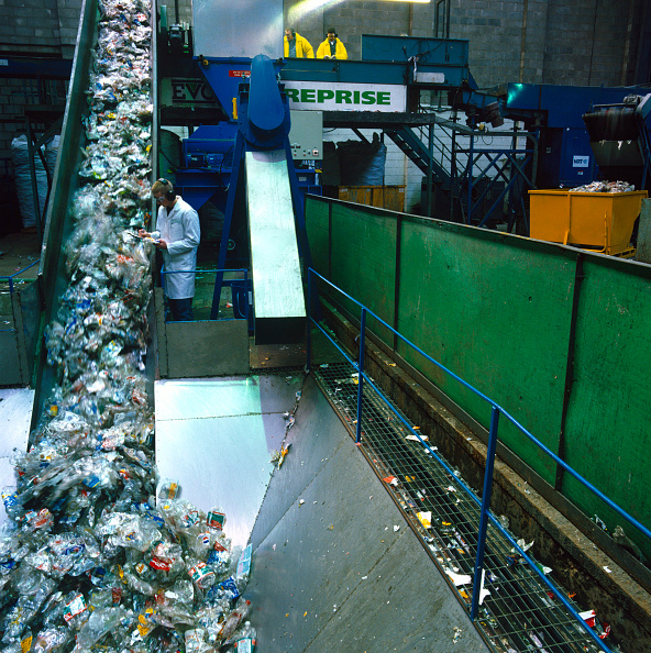 Recycling「Plastics recycling, Midlands, UK.」:写真・画像(7)[壁紙.com]