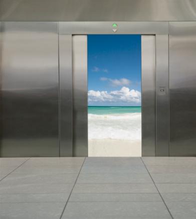 Elevator「Various scenes in an elevator 」:スマホ壁紙(8)