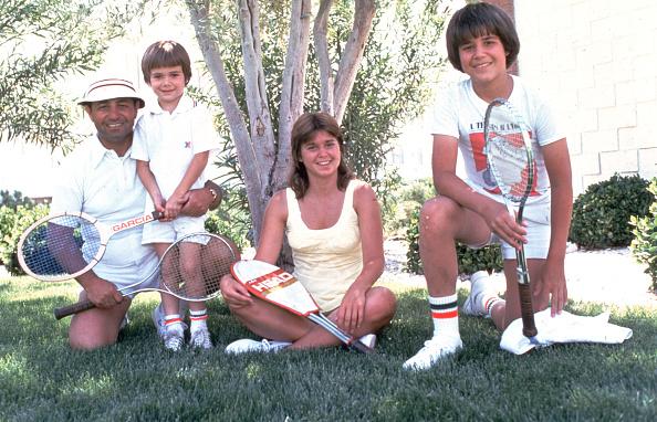 アンドレ アガシ「Andre Agassi With Family, 1976」:写真・画像(6)[壁紙.com]