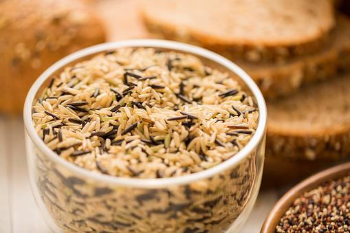 Macrobiotic Diet「Brown and black rice in bowl」:スマホ壁紙(19)