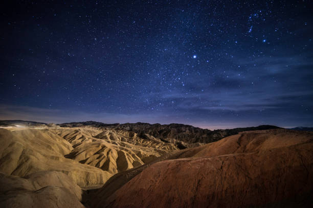 Stargazing in Death Valley:スマホ壁紙(壁紙.com)